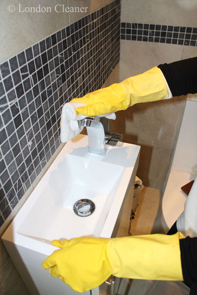 Exactly what is included in expert Contract Cleaning services?